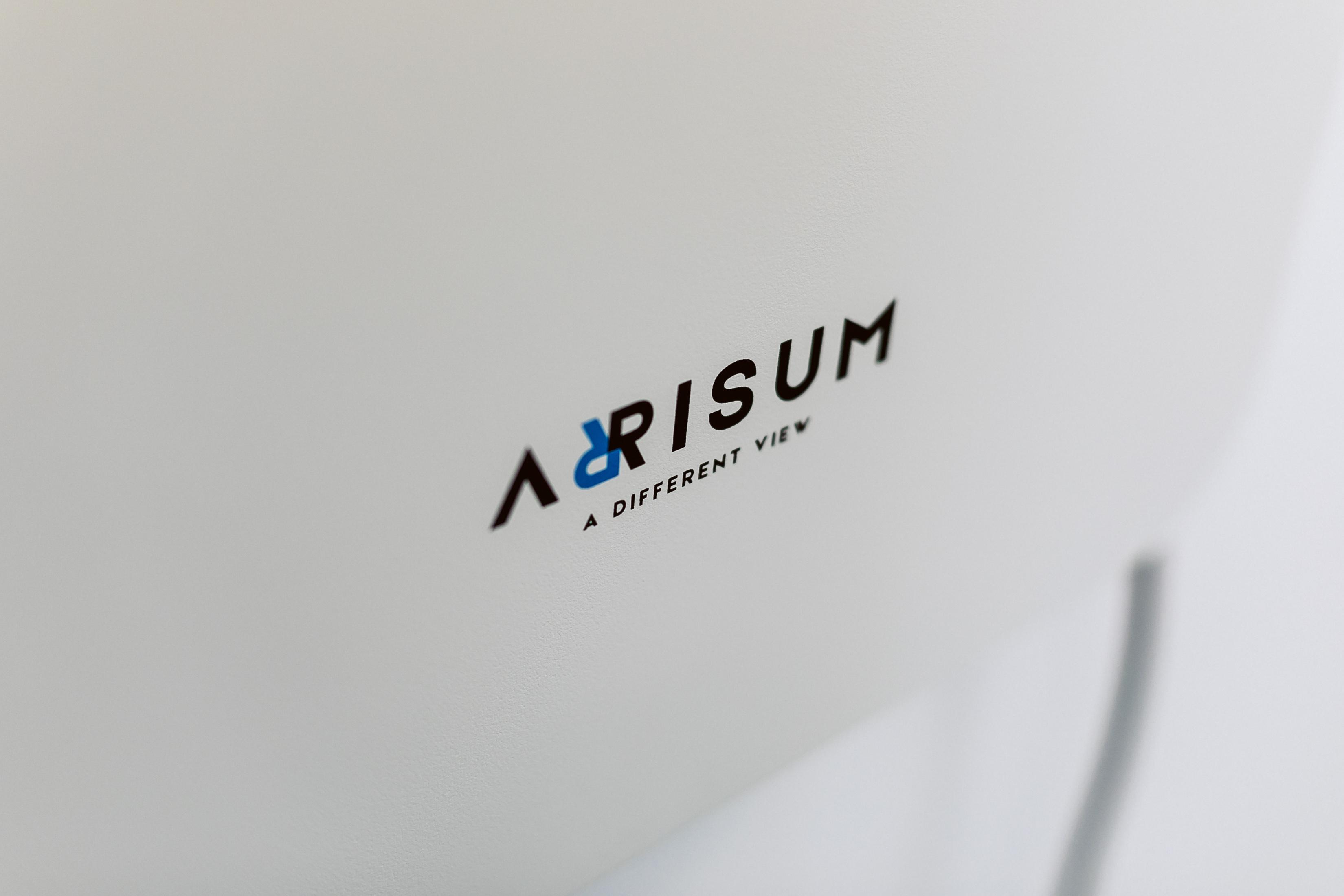 Arrisum uređaj